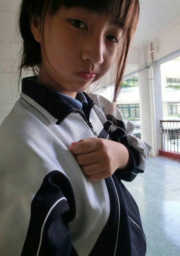 斜刘海美女自拍图片展示图片