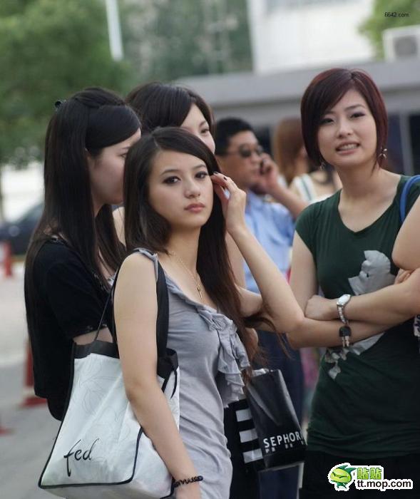 重庆美女美吗?求图片