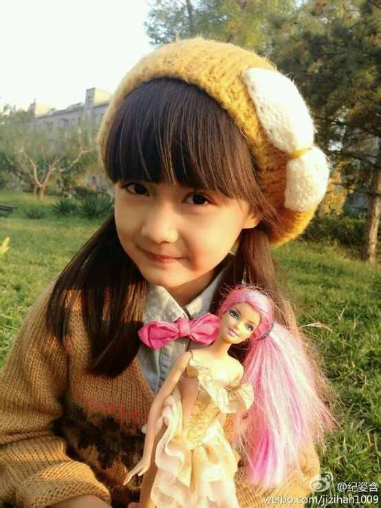 我感觉小女孩齐刘海很萌很萝莉的图片