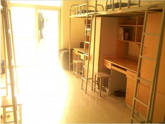 中国海洋大学2014级新生宿舍是上床下桌吗图片