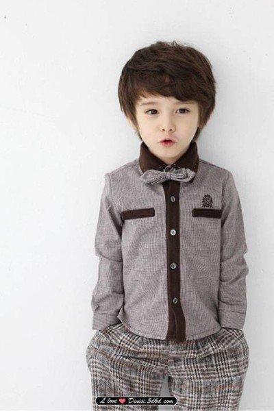急 超萌的一个小男孩是奥地利和韩国的混血儿叫什么名字啊 照片在下面有谁知道他叫什么名吗??? 百度知道