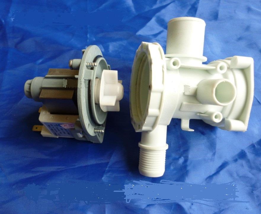 滚筒洗衣机 滚筒洗衣机,由于没有排水阀的,可以水是直通的,就是排水图片