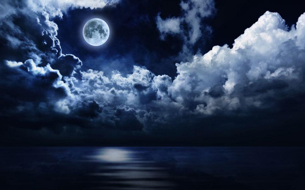 谁有带月亮星星很漫的图?有的两张给我看看