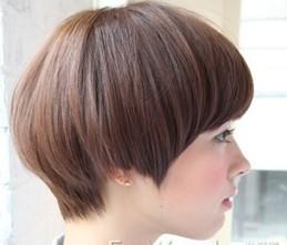 剪得太短,然后你告诉他要做中空,因为一直长头发的女生发根部位比较塌图片