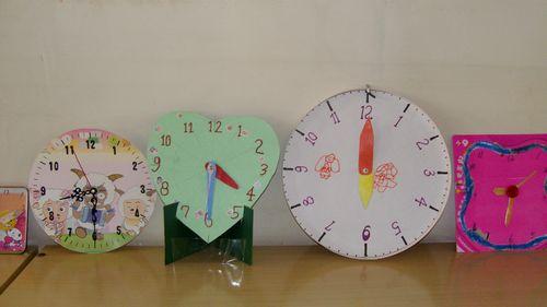 如何制作小学生钟表图片