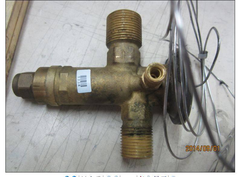 汽车空调膨胀阀的图片图片