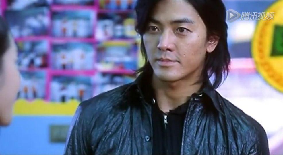 古惑仔之《胜者为王》里陈浩南穿的黑色外套图片