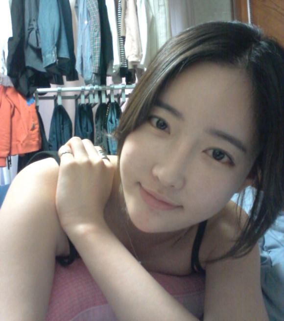 这个韩国的模特叫什么名字