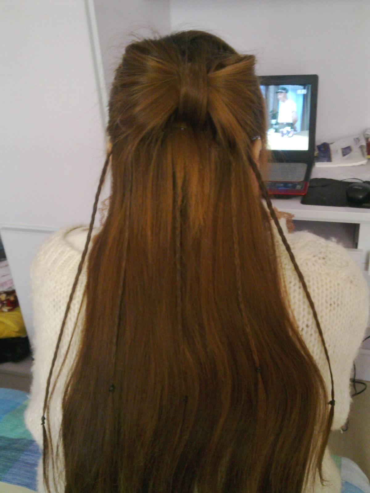 我13岁,想留刘海但是头发前面也才3-4厘米图片