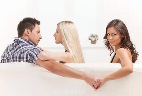 如果男朋友没事就看女人写真或是其他人的做爱图片和黄片代表什么_女朋友一年背叛我两次,我对他百依百顺,想不到七夕到了他和别的男人一