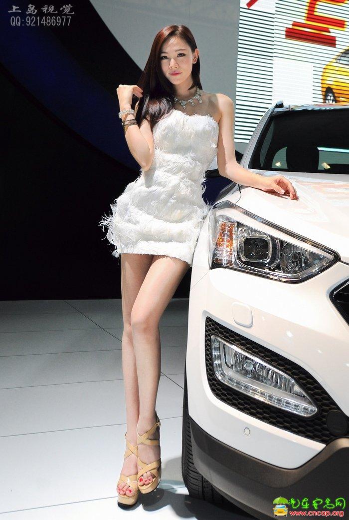求一张穿白色连体短裙的美女当壁纸~有点诱惑性最好