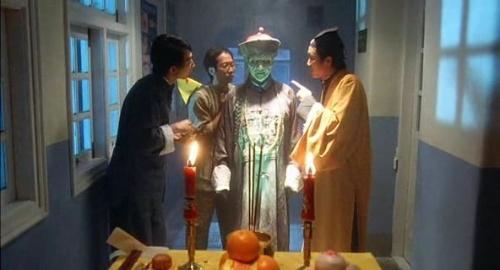 求这一部僵尸电影, 僵尸先生跟这图片不一样的图片