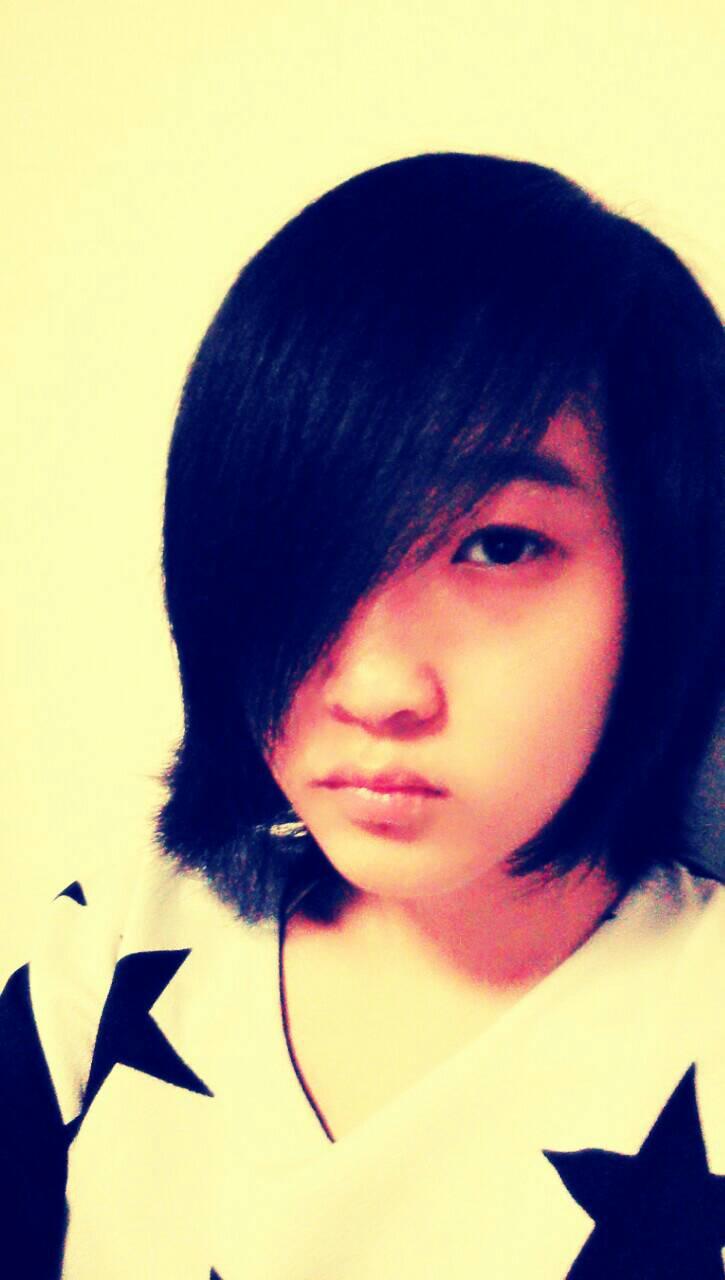 那个~我是学生~头发太长了~需要一个中性的发型~不能染~其他的不图片