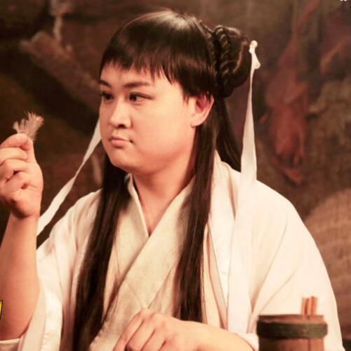 """而在《万万没想到》中,孔连顺反串出院女人,被网友调侃为""""女神"""",其中图片"""