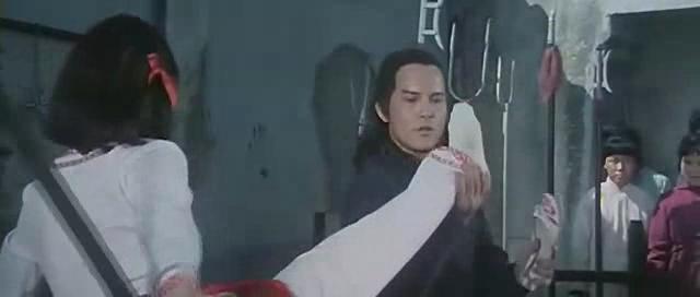 影视剧中捆绑美女的丝足白袜再度展出~~~;