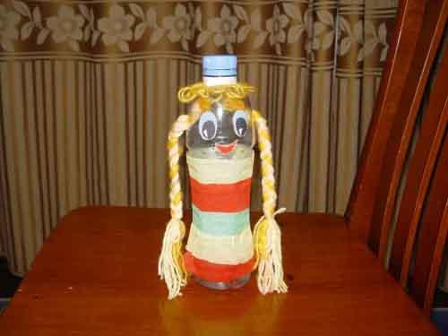 矿泉水瓶怎样做娃娃图片