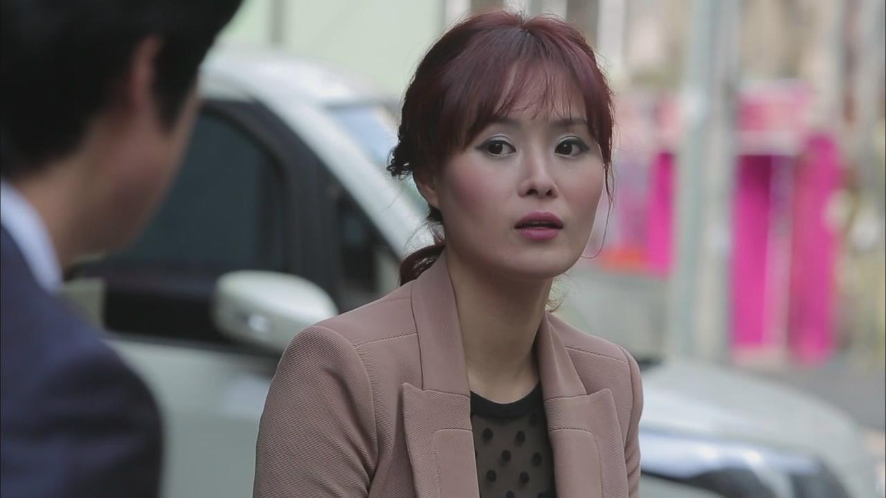 韩国电影年轻母亲里的英语老师美英扮演者图片