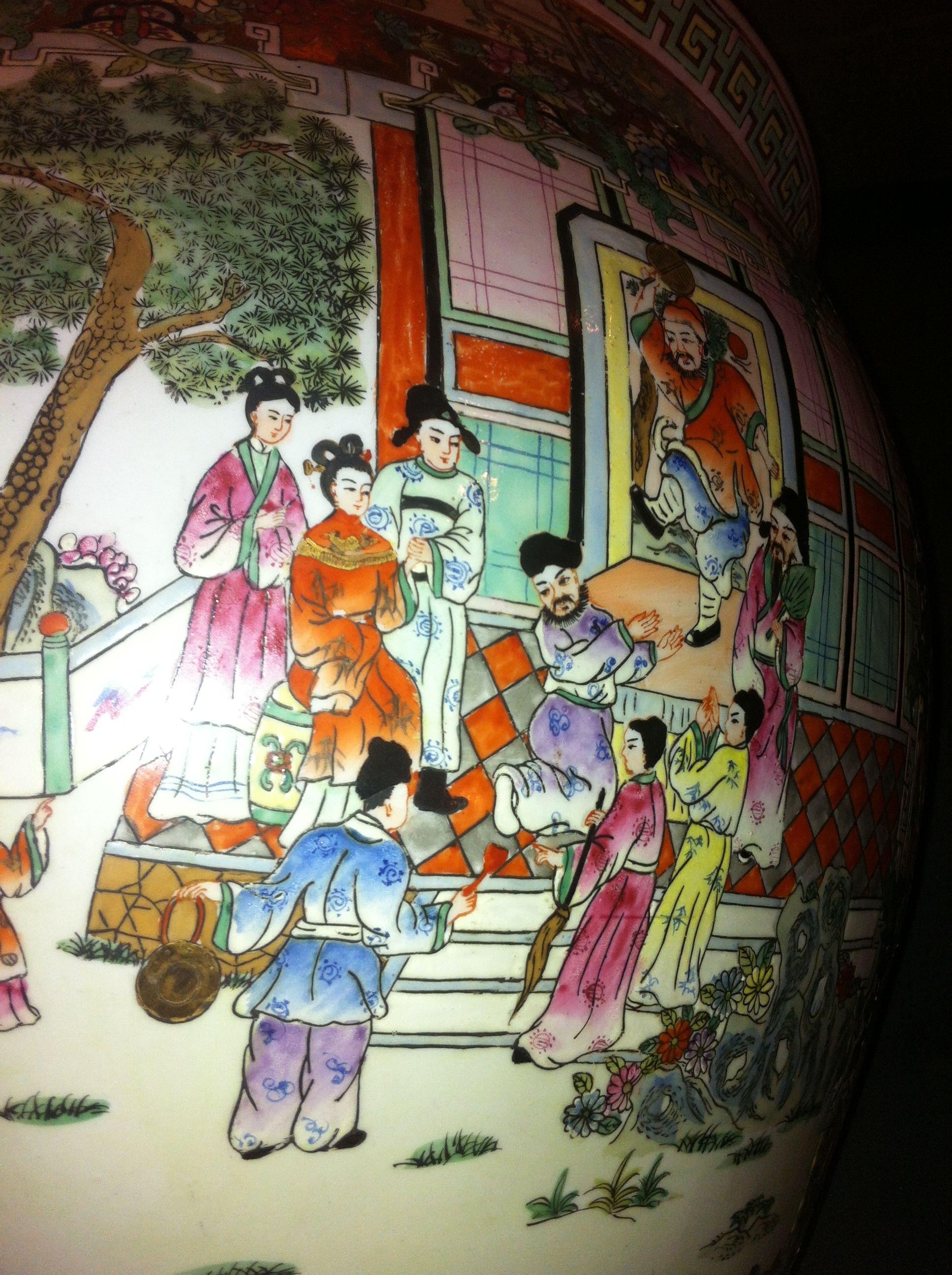 落款大清乾隆年制粉彩瓷器鱼缸一个高60厘米上下宽50有余高清图片
