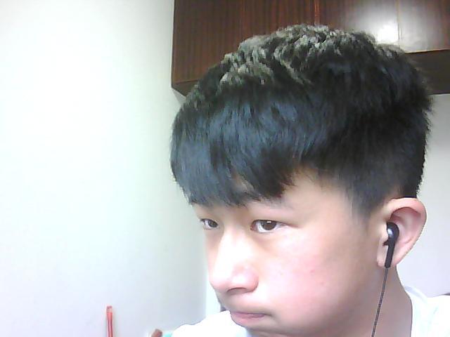 适合中学生的发型介绍图片