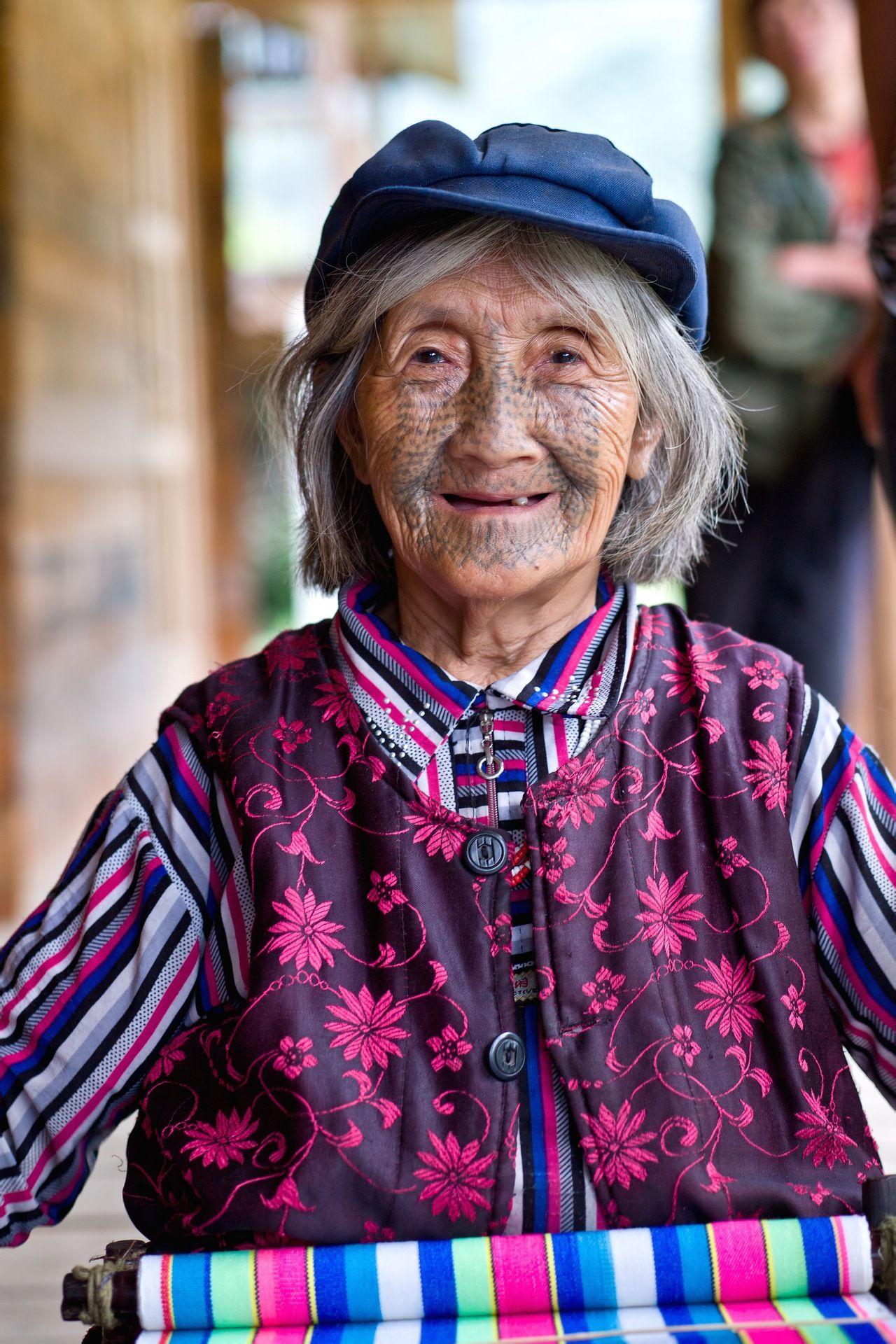 美女生活照片一个人的多张四十岁的
