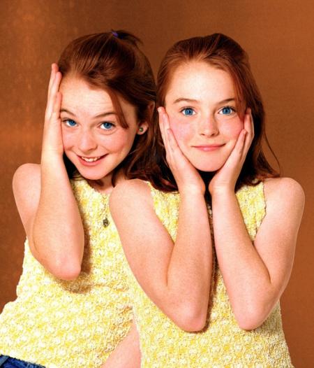 一部美国电影 讲述的是两个小女孩互换身分的故事