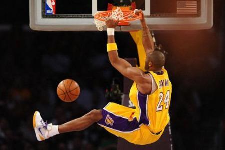 篮球图片大全_东方青年男子打篮球图片