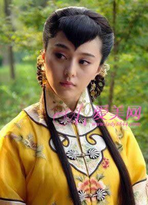 桃心刘海很可爱,民国电视剧中出现的女人几乎都剪那个刘海.