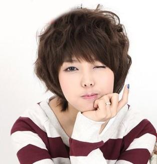 女生短发纹理烫发型是什么样的?最好发张照片,非常感谢!图片