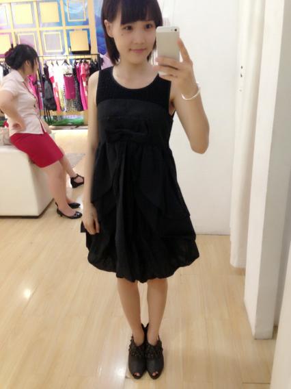 男朋友说我买的衣服都是初中女生穿的