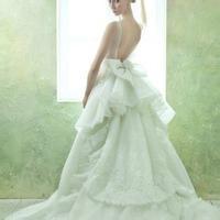 婚纱女生头像图片