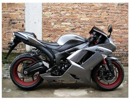 这个川崎摩托车价格是多少 在临近苏州这一代那里能买得到图片