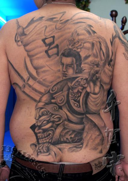 吕布美女纹身图片