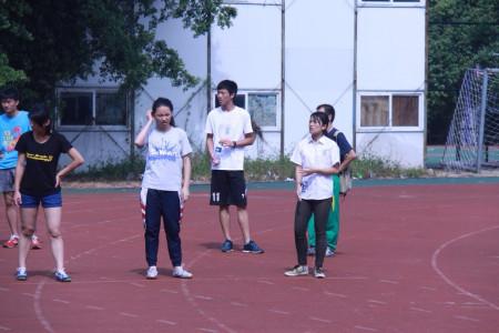 广州市 分享到:  2013-12-02 23:19  提问者采纳 这位同学,没穿校服图片