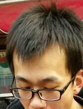 额头两边的发痕线太高了,剪个什么样的头型合适啊?就这样的头型.