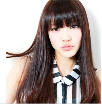 """""""头发少额头高的人适合什么样的发型""""相关的详细问题如下:头发少额头图片"""