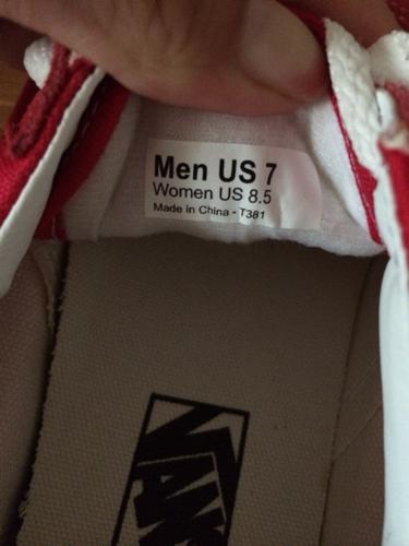 求大神鉴定万斯old skool真假,gsi钢印,鞋底无R标,鞋标是中国制造图片