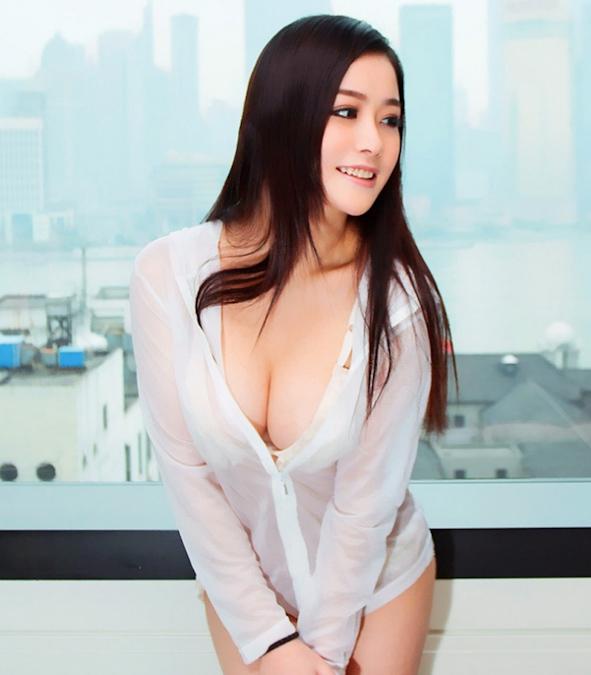 有谁知道这美女叫什么?