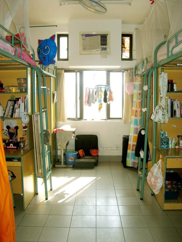 上海工艺美术职业学院寝室惊人一间啊?有独立的卫生间图片