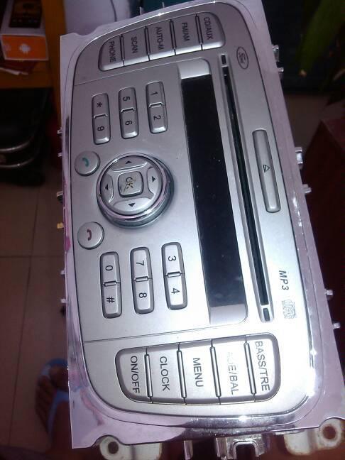 福特汽车cd改家用怎么接线,哪里接电源,哪里接音箱 高清图片