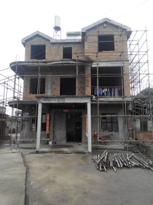 农村三层半别墅外观效果 房子已建好,求外墙颜料搭配 高清图片
