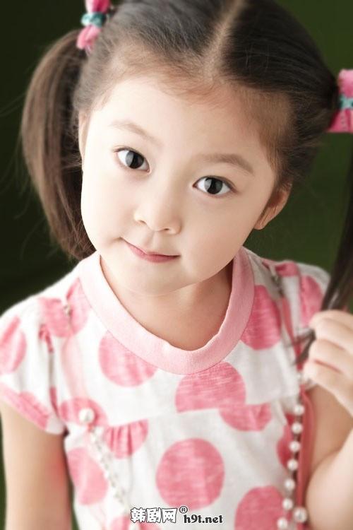 刚看完韩国电影 怪物 请问剧情里的那个小女孩