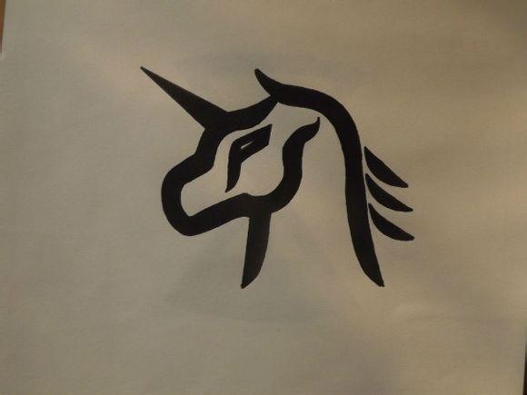 求exo成员的个人logo大图最好是每个人分开的,还有集体大logo,有