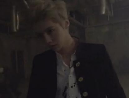 谁能告诉我EXO 狼与美女 Wolf MV剧情版主要讲的是什么样的故事 谢
