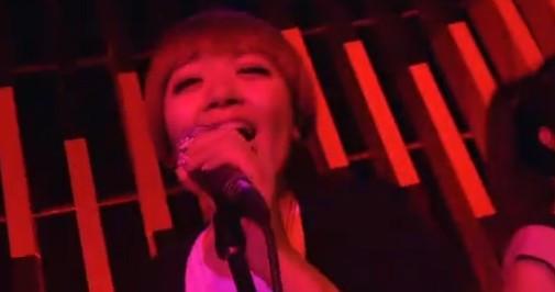 我是歌手里 黄绮珊的伴唱