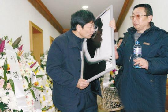 潘长江女儿潘阳追悼会是真的?