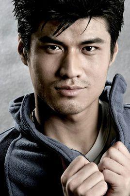 演李小龙的演员是谁