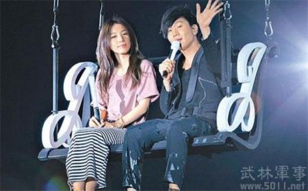 如何看待田馥甄和林俊杰在《梦想的声音》第一季中的互动?